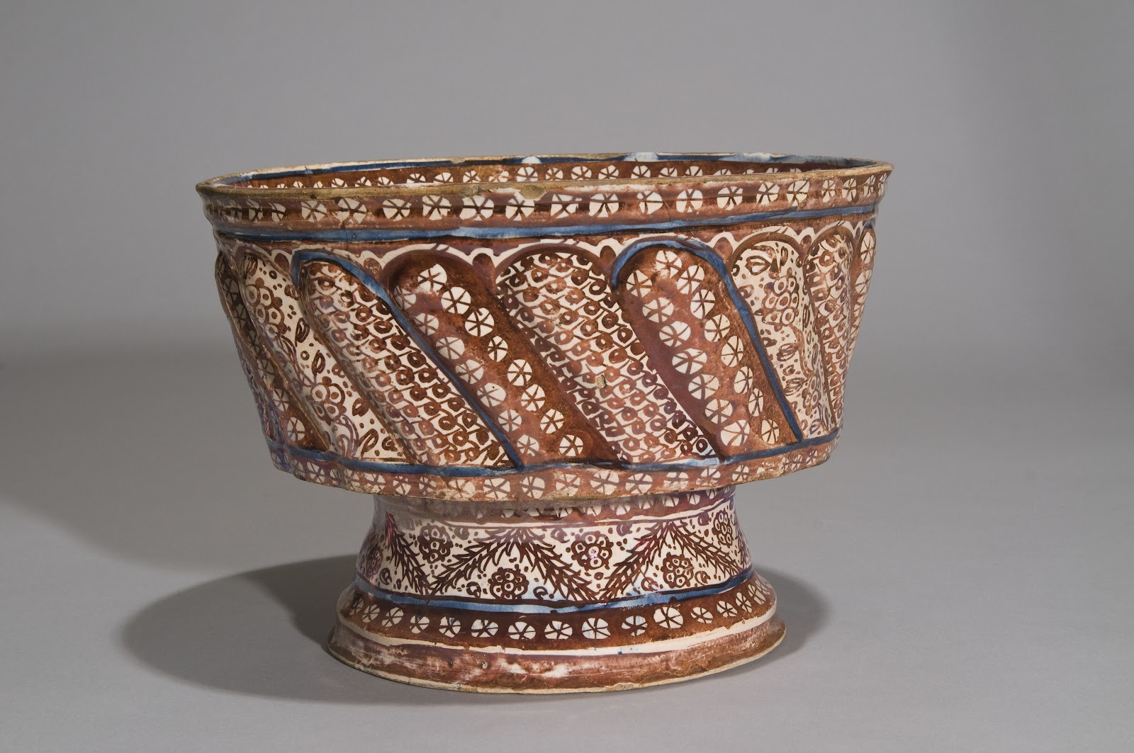 hull cornucopia vase of style court inventive synthesis shangri la with footed basin spain valencia probably manises ca 1500 earthenware underglaze painted in blue overglaze painted in luste