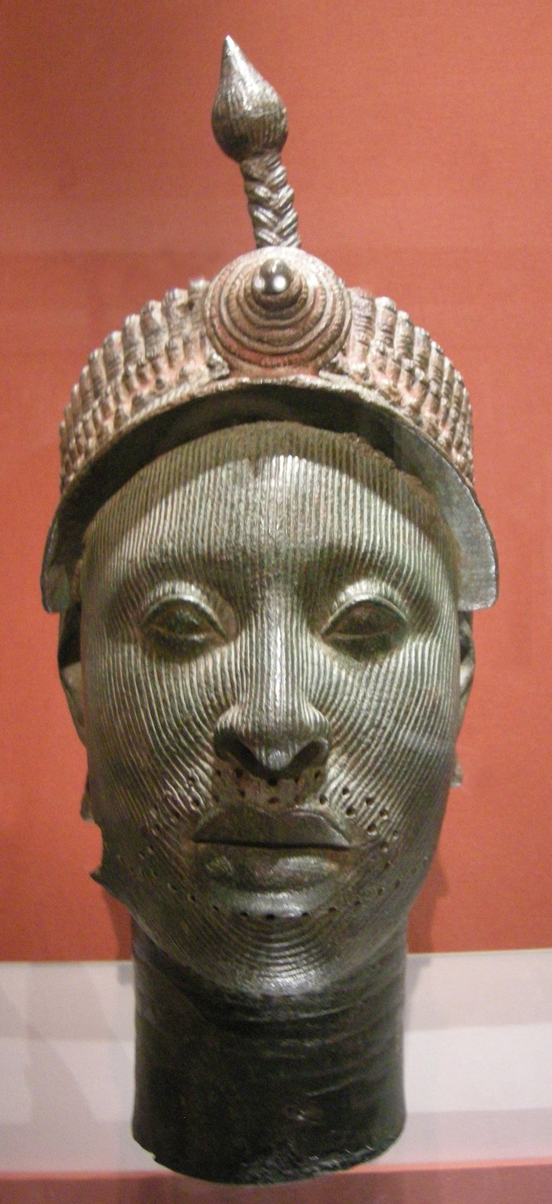 identifying lady head vases of bronze head from ife wikipedia in arte yoruba nigeria testa da ife 12 15mo secolo jpg