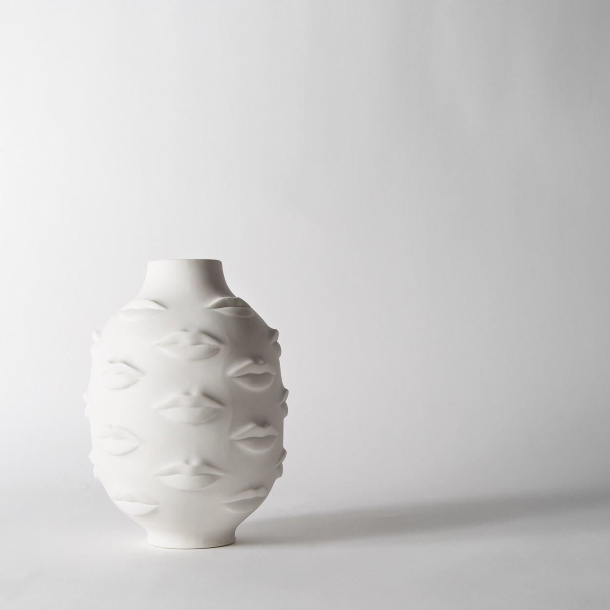 jonathan adler lips vase of gala round vase secret location within gala round vase jonathan adler