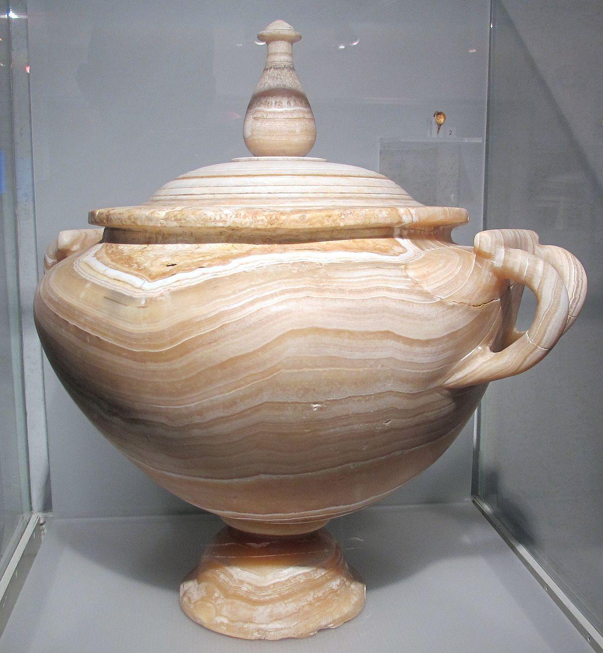 large ceramic vases and urns of urn wikipedia with regard to 1200px urna cineraria in alabastro da abbazia delle tre fontane via laurentina 0 50 dc ca jpg