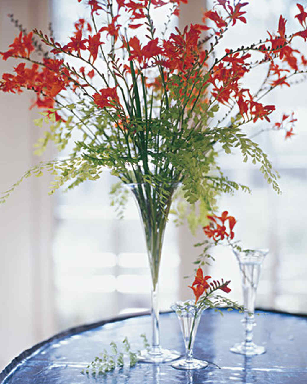 large glass vase with stand of marthas flower arranging secrets martha stewart throughout lesson 3