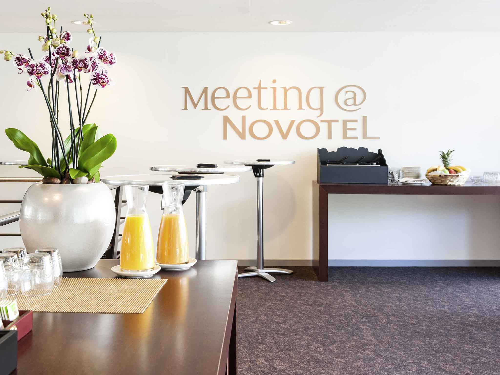 large mexican floor vases of family hotel luxembourg city novotel in the city centre with meetings and events novotel luxembourg centre