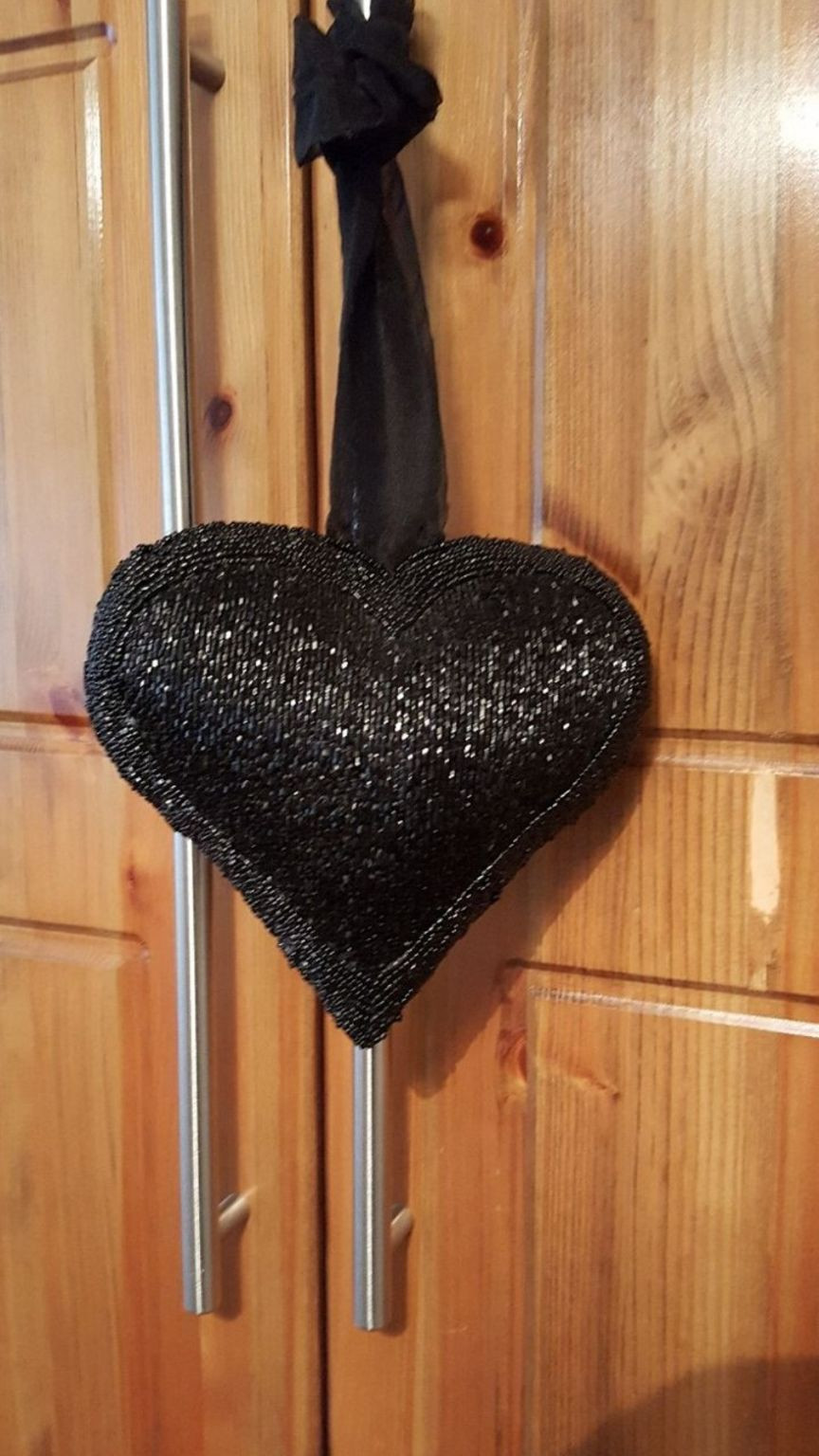 lenox heart vase of https en shpock com i wp3in rfemrfniqw 2018 03 27t140843 with regard to black hanging beaded heart