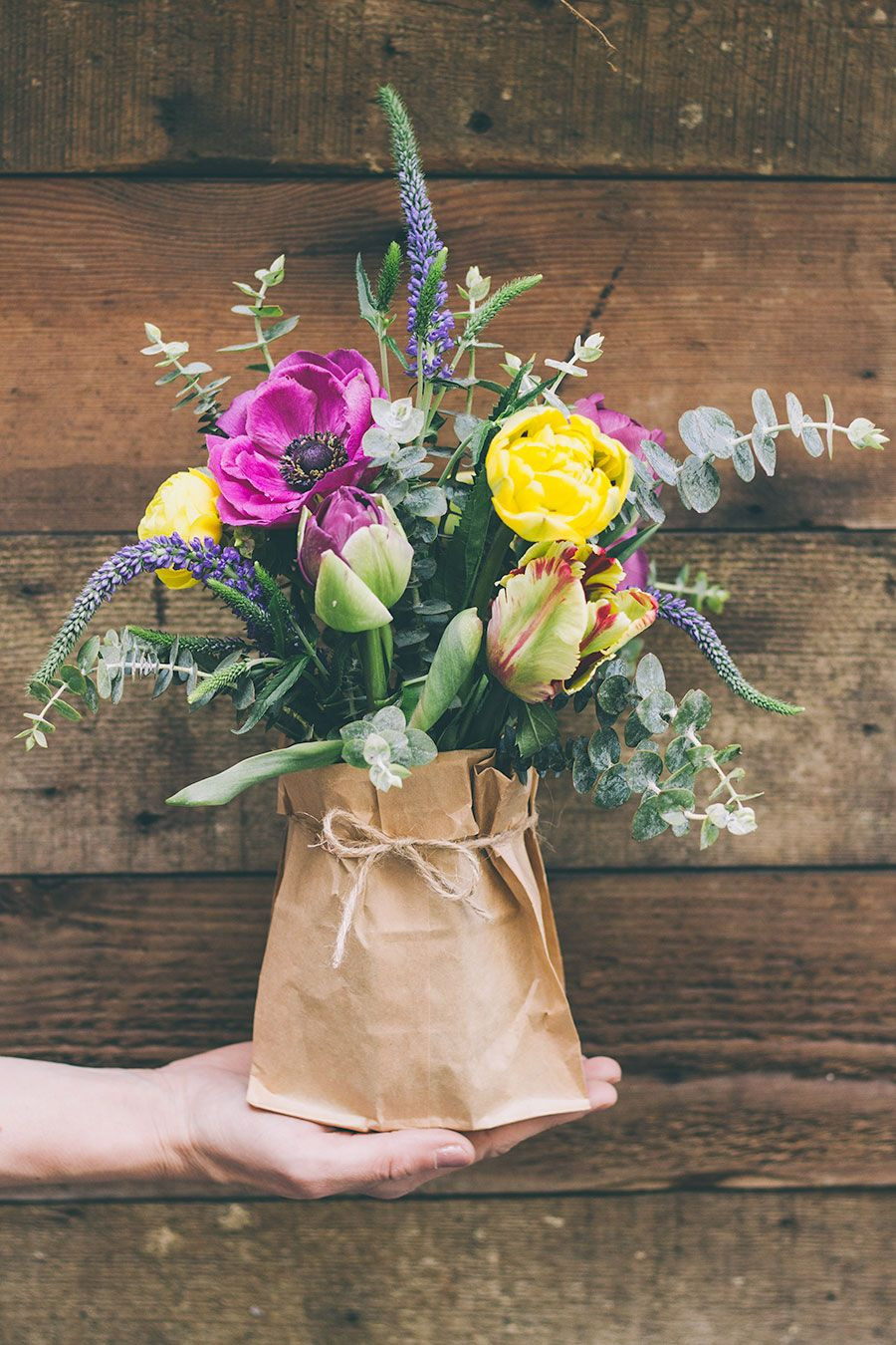 Lifestyle Puzzle Vase Of Pop Beautiful Flowers In A Paper Bag and Tie with A Small Piece Of In Pop Beautiful Flowers In A Paper Bag and Tie with A Small Piece Of String for A Vintage touch