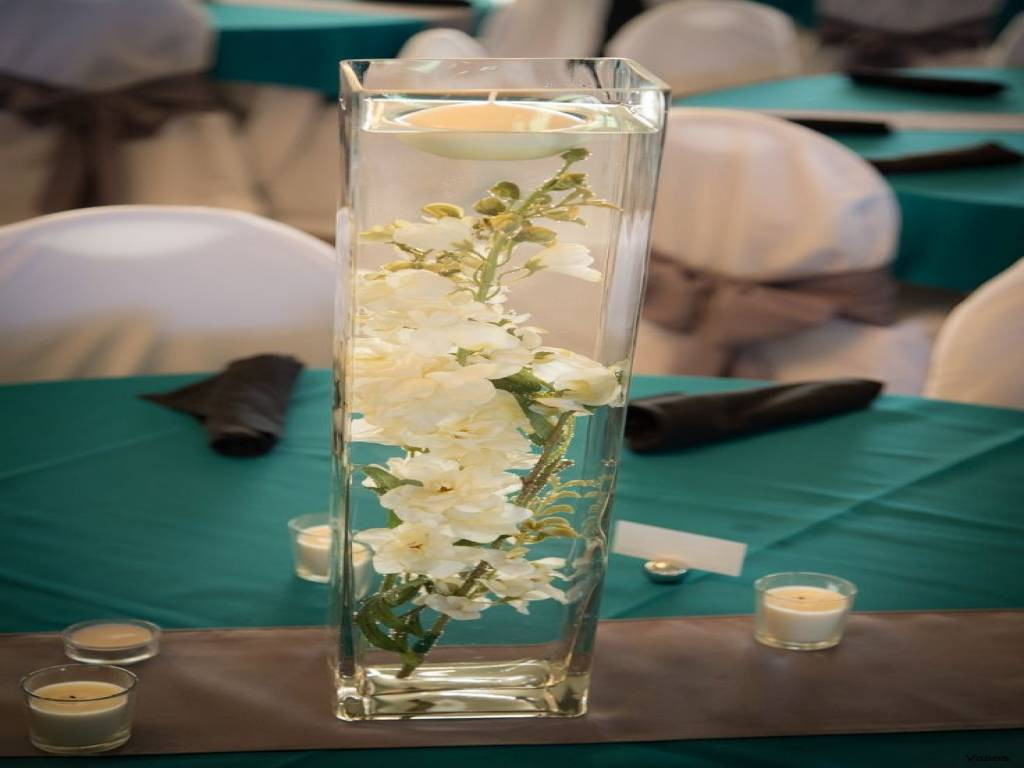 24 Famous Long Vases Wedding Centerpieces