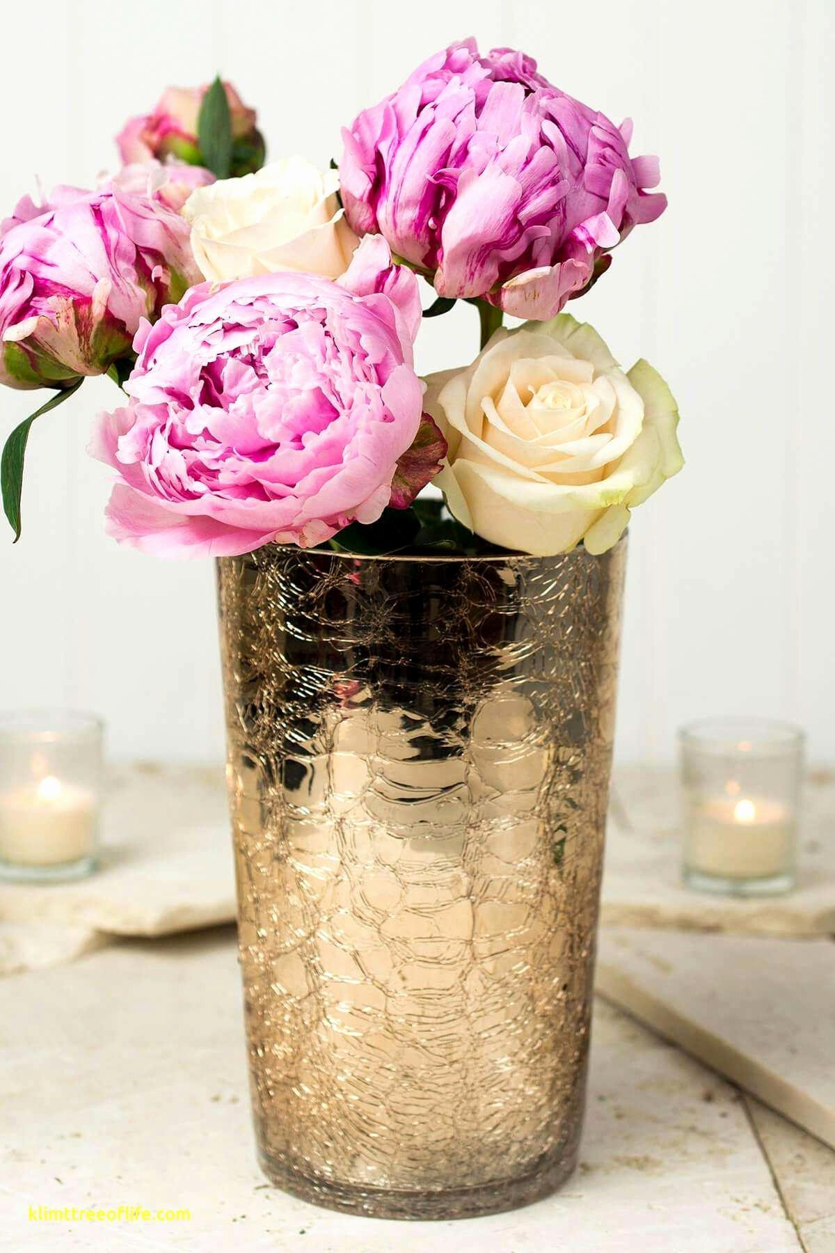 25 Stylish Lotus Flower Vase
