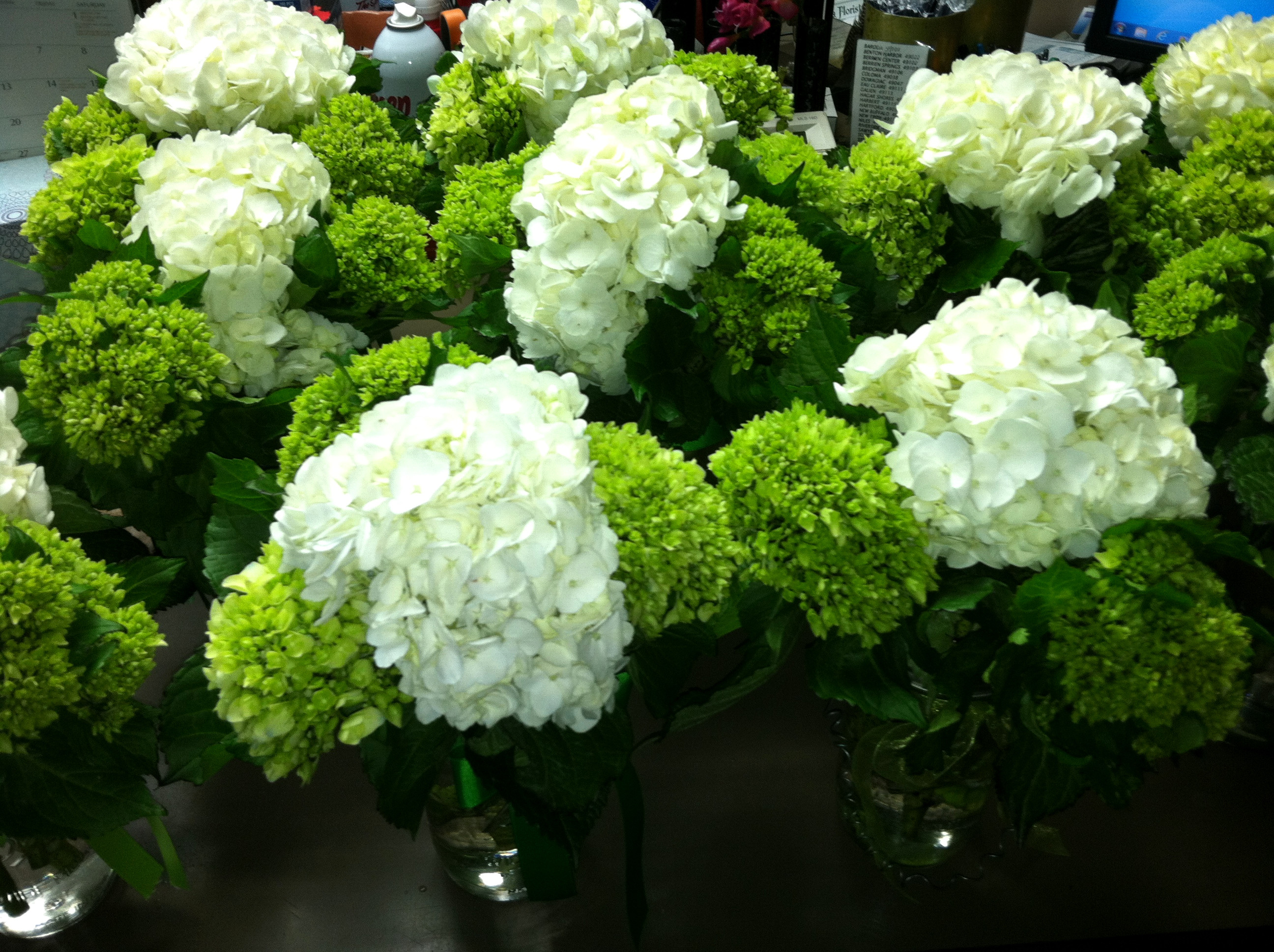 mason jar flower vase ideas of mason jar wedding decorations fresh living room vases wedding inside mason jar wedding decorations beautiful green and white hydrangea centerpieces in mason jars wedding of mason