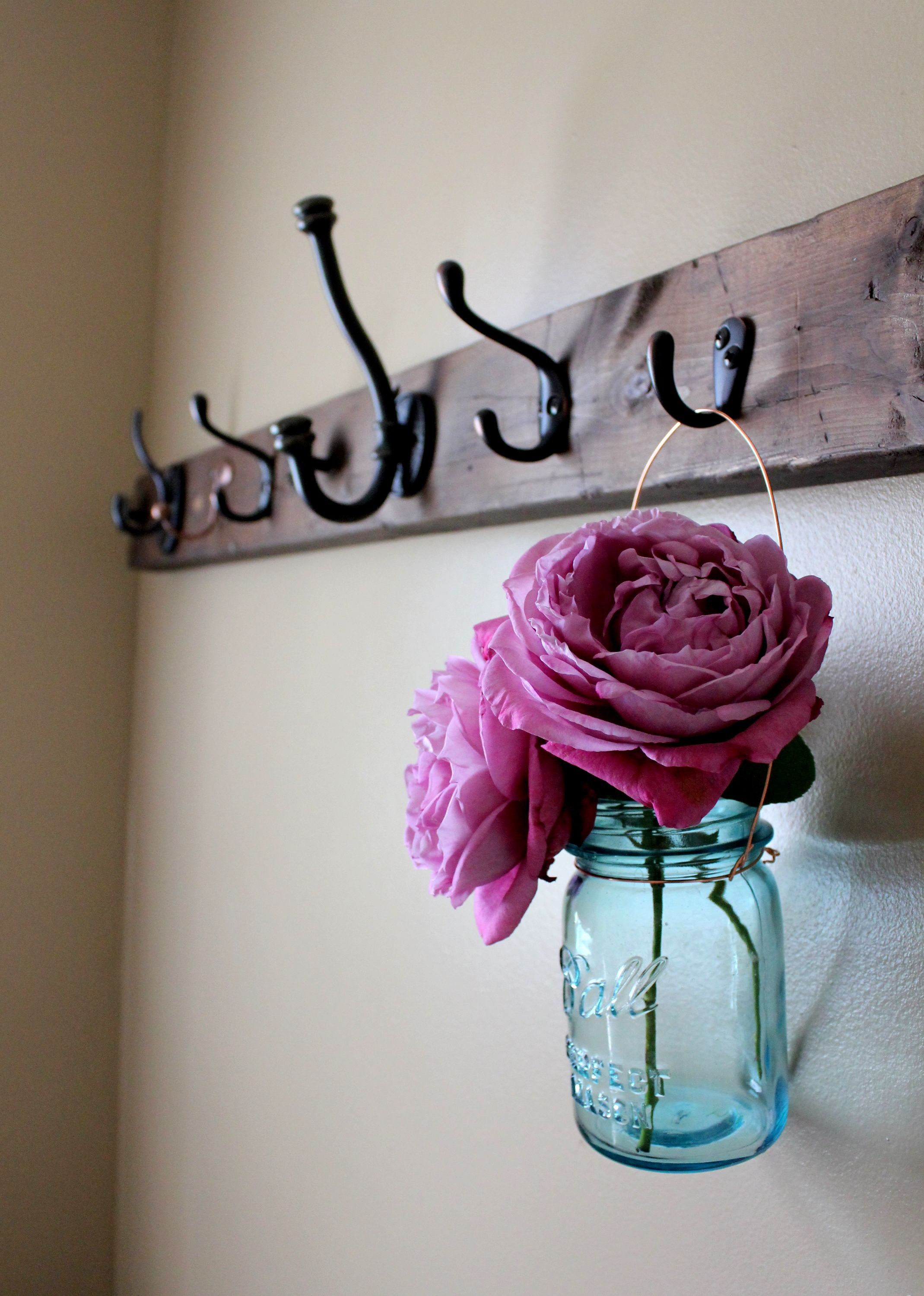 21 Amazing Mason Jar Vase On Wood
