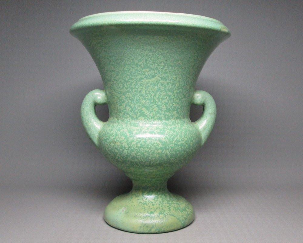 Mccoy Green Vase Of Snap Vintage Green Matte Glaze Etsy Photos On Pinterest Regarding Vintage Haeger Matte Green Vase Art Pottery by Jumpinacrater