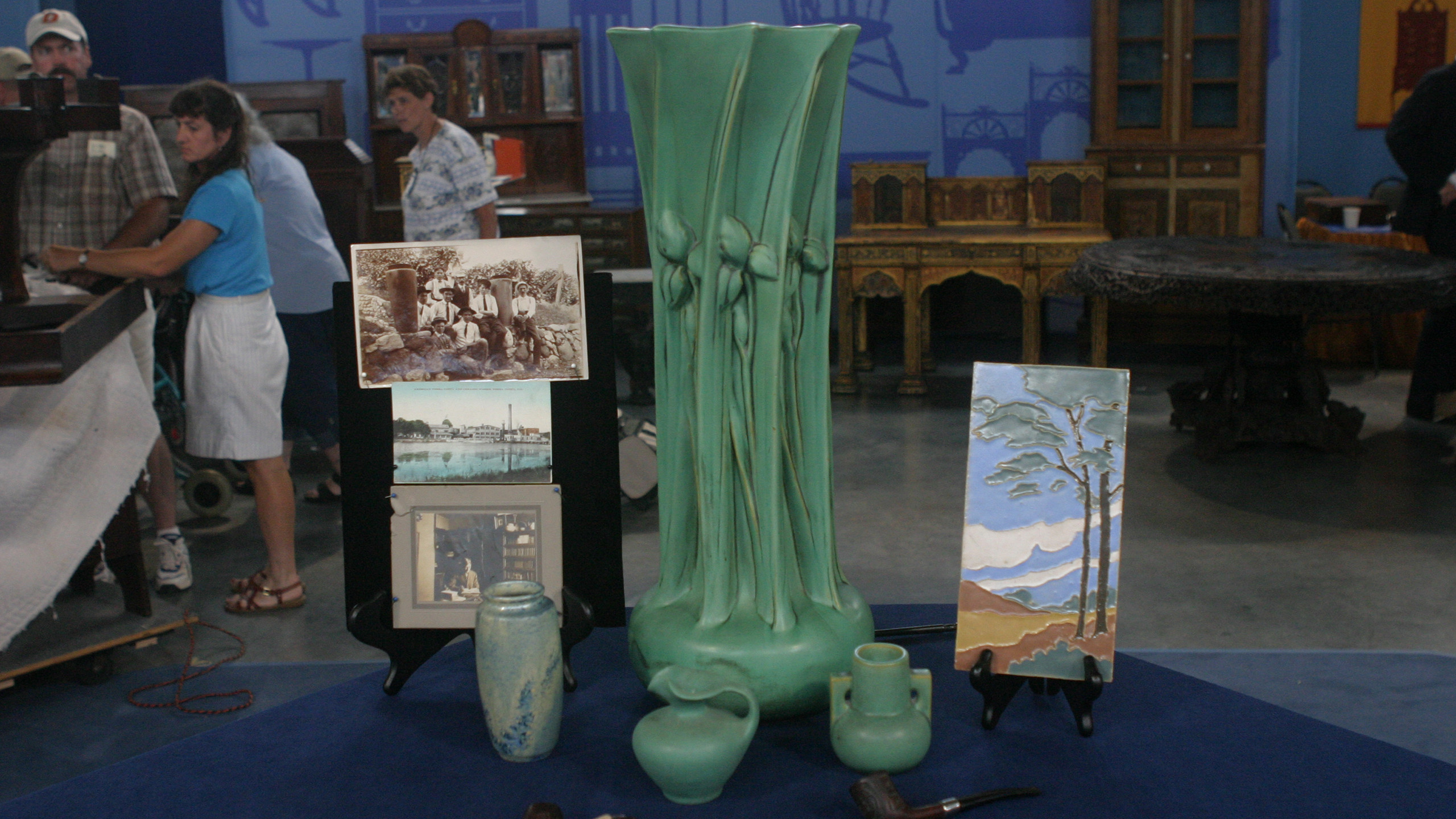 mccoy pottery green vase of antiques roadshow appraisal 1962 rose cabat feelie vase twin inside appraisal teco collection ca 1905