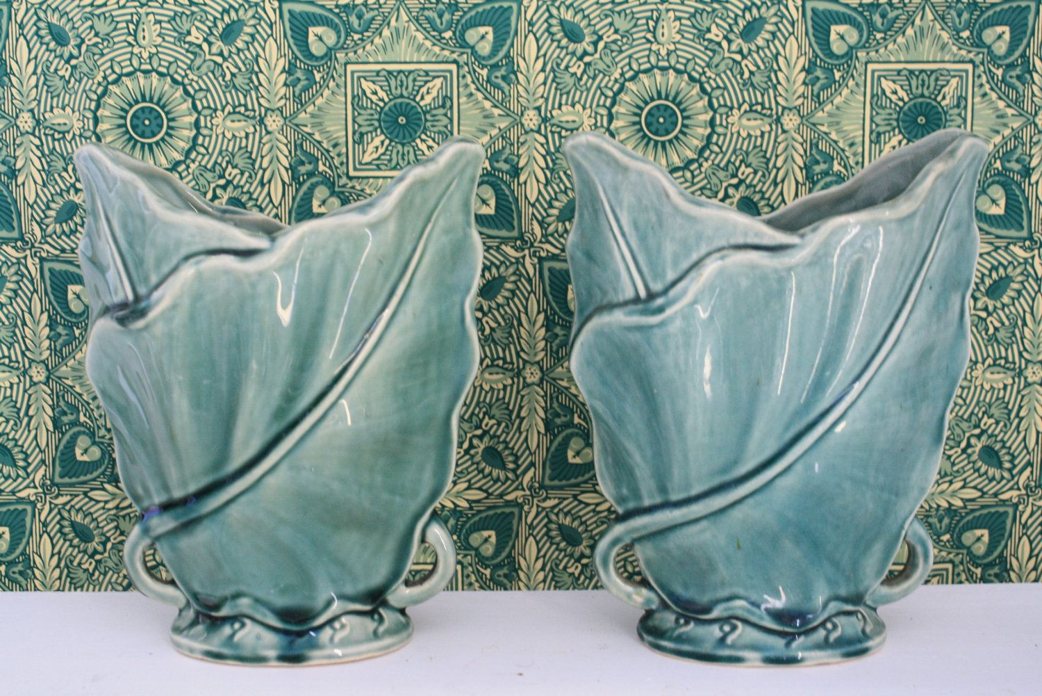 mccoy pottery pink vase of mccoy pottery a wonderful matched pair of marked mccoy j for 1950s pair of green ceramic brush mccoy pottery palm leaf vases