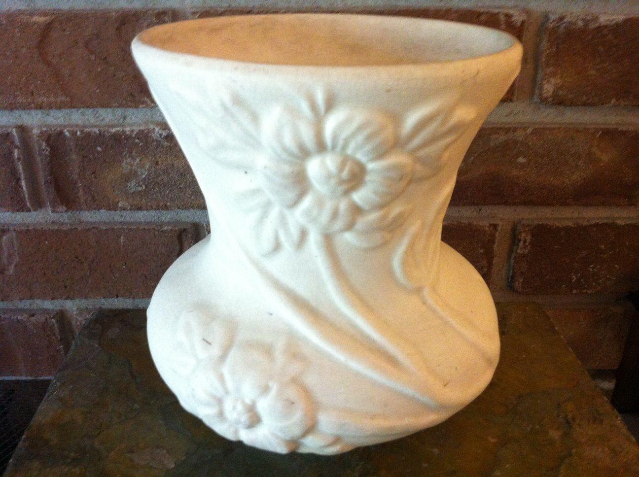 mccoy white vase of vintage art pottery hull pottery crab apple matte white art pottery throughout vintage art pottery hull pottery crab apple matte white art pottery vase crab apple