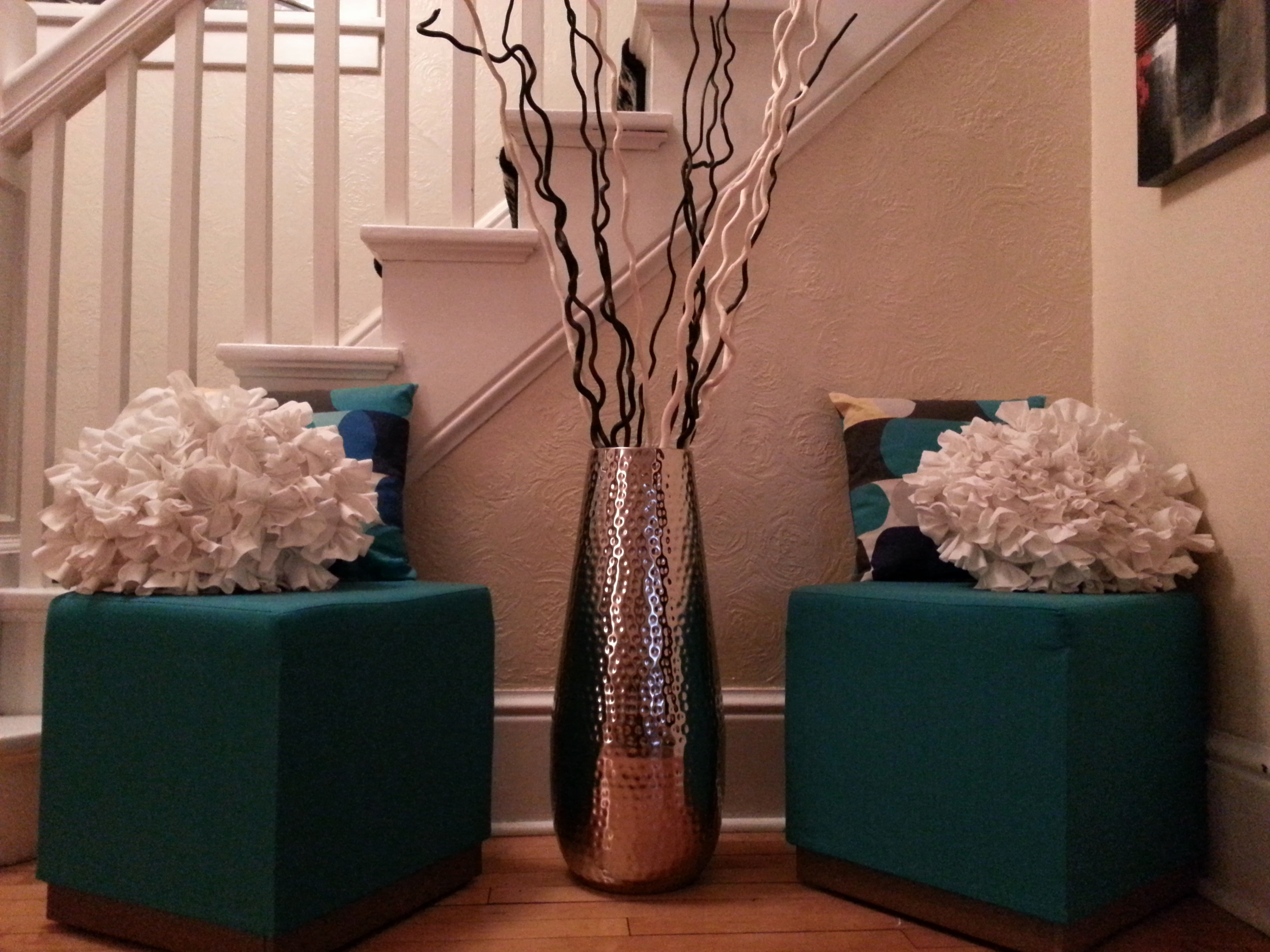 28 Stylish Modern Blue Vase