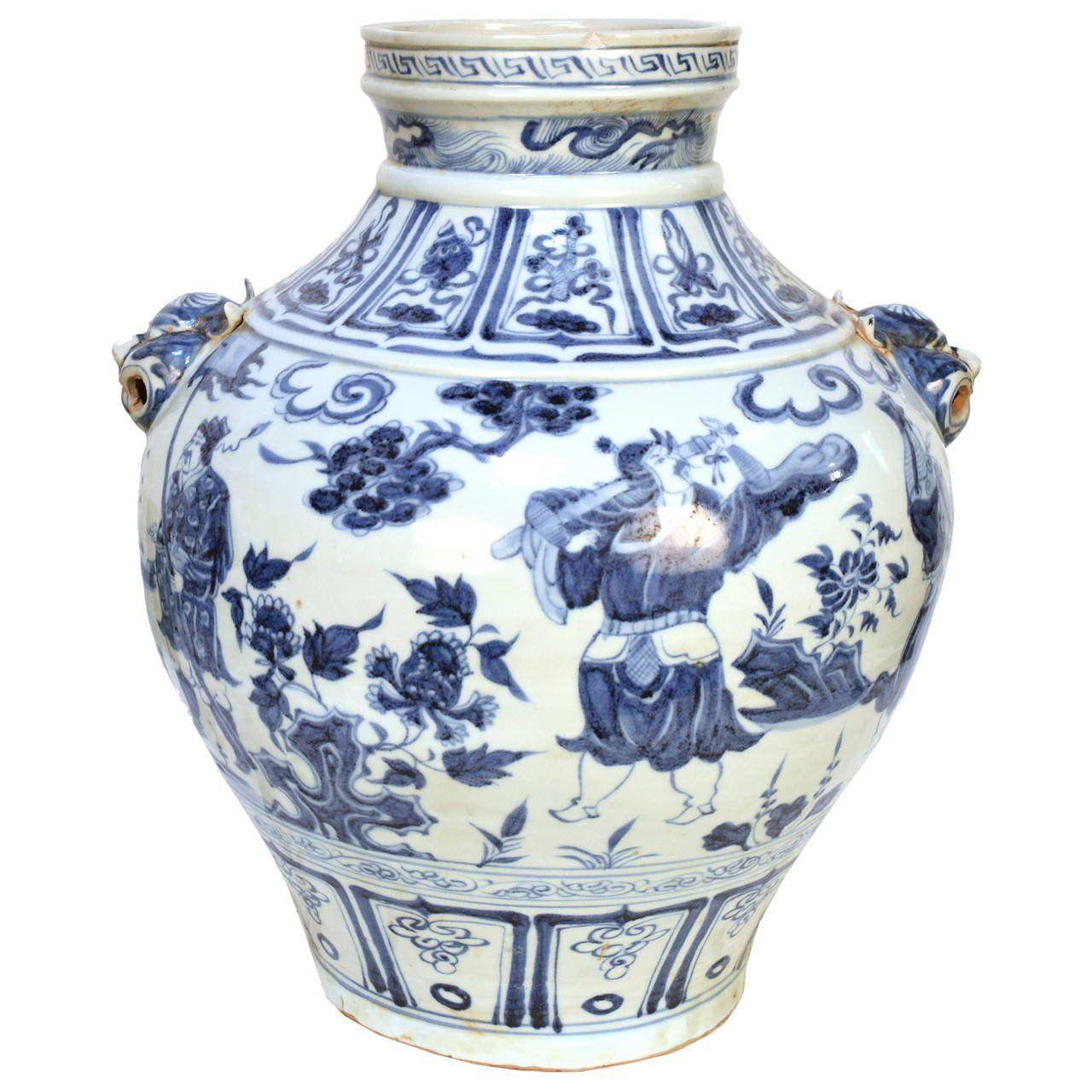 Modern White Ceramic Vase Of Ming Style Blue and White Vase White Vases with Ming Style Blue and White Vase