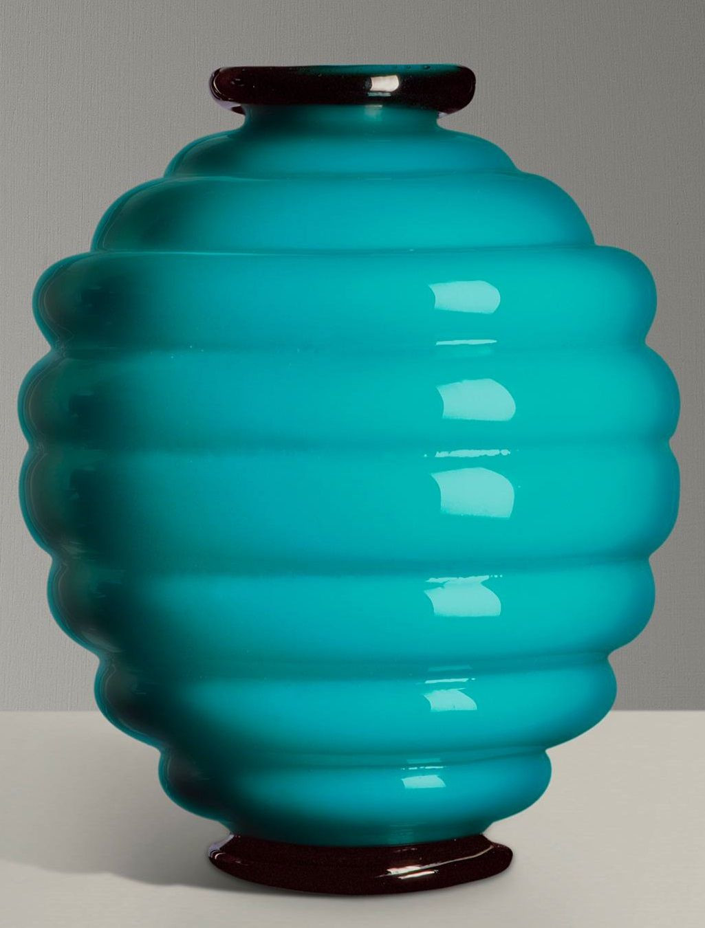 21 attractive Murano Hand Blown Glass Vase
