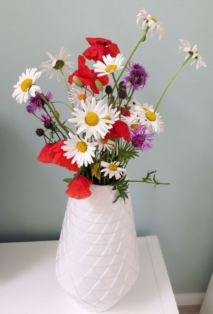 muuto elevated vase of 12 best vazen en bloempotten images on pinterest ceramic pottery inside veldbloemen