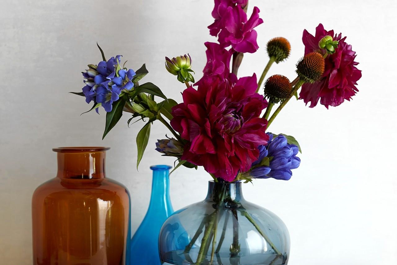 navy blue flower vases of a flower arrangement inspired by a helen frankenthaler painting wsj throughout od be089 flower m 20141017110354