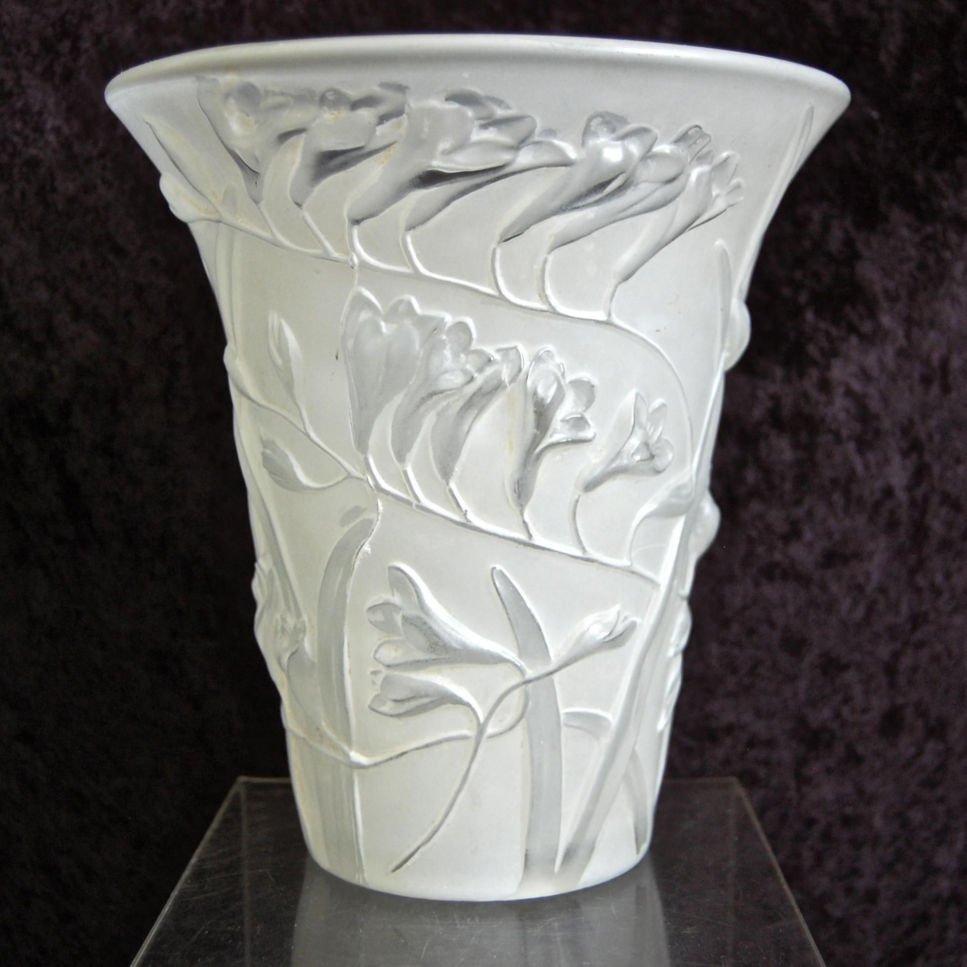 phoenix glass vase of phoenix glass sculptured artware freesia vase white circa 1934 in phoenix glass sculptured artware freesia vase white circa 1934