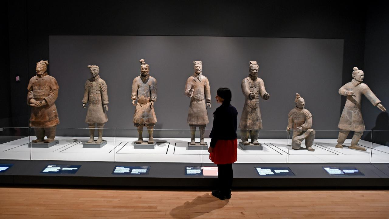 pier one terracotta vase of the terracotta warriors exhibition has arrived in liverpool here with regard to video loading