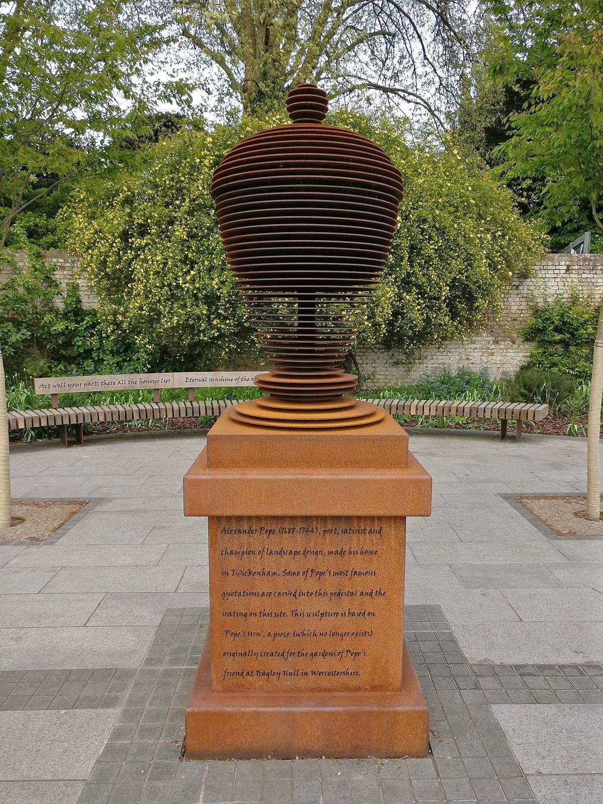 princess house heritage large vase of popes urn wikipedia with regard to 1200px popes urn twickenham