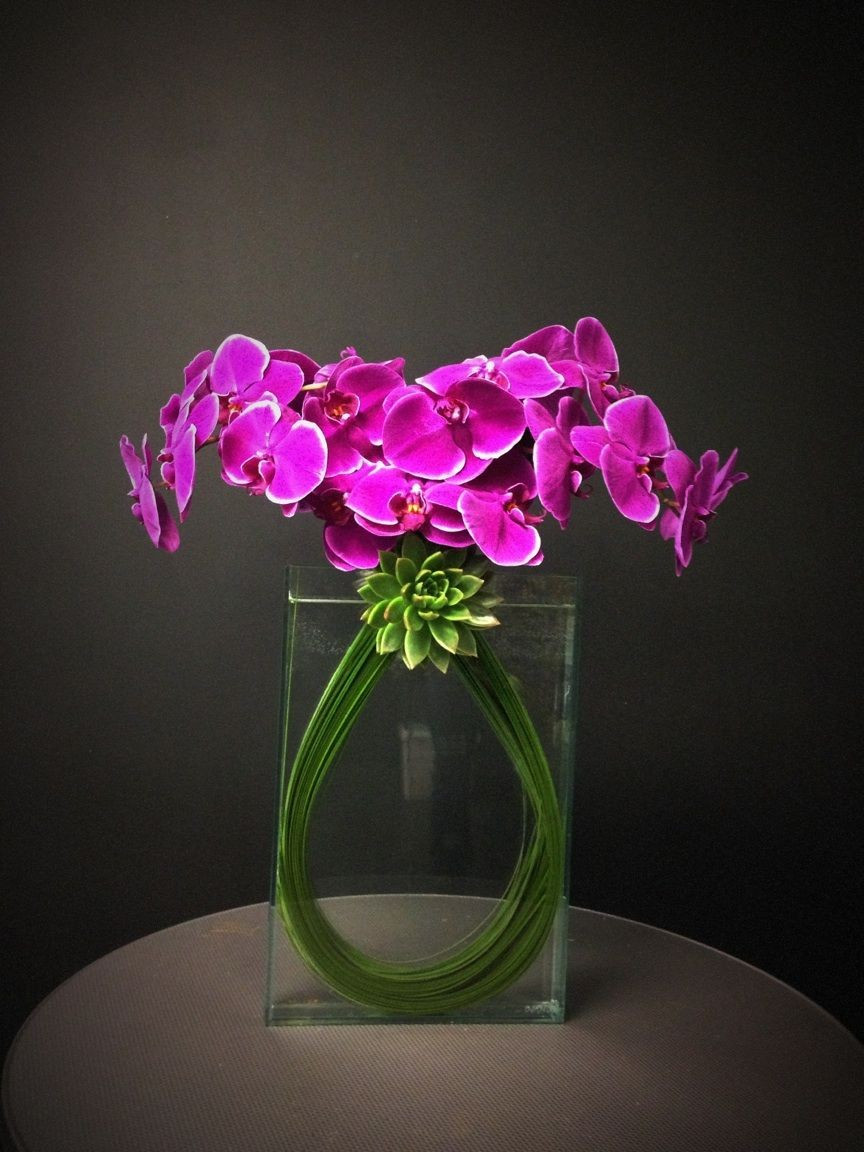 Purple Glass Vase Of Life Flowers Purple Vase Image Fresh Lilacs In Teal Glass Vase Throughout Life Flowers Purple Vase Image Inspirational Po Apurae Avec orchidaes Et Tiges De Bergrass Of