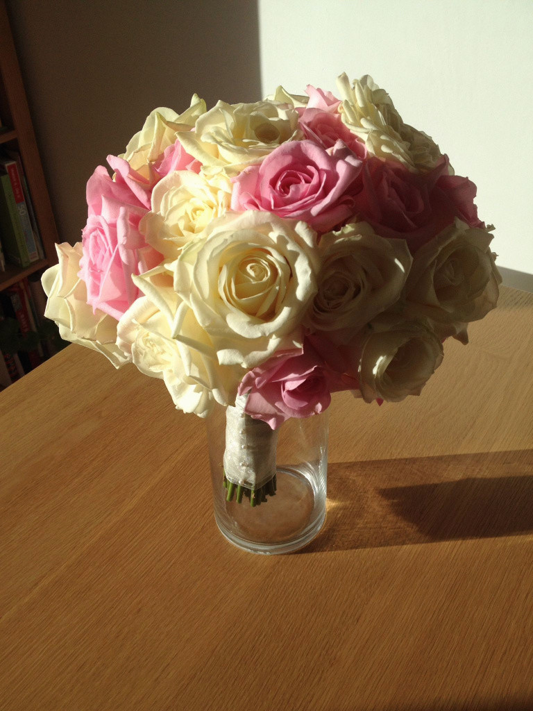 15 Stunning Rose Bouquet In Vase