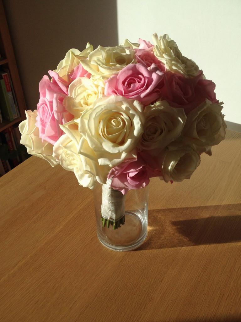 15 Stunning Rose Bouquet In Vase