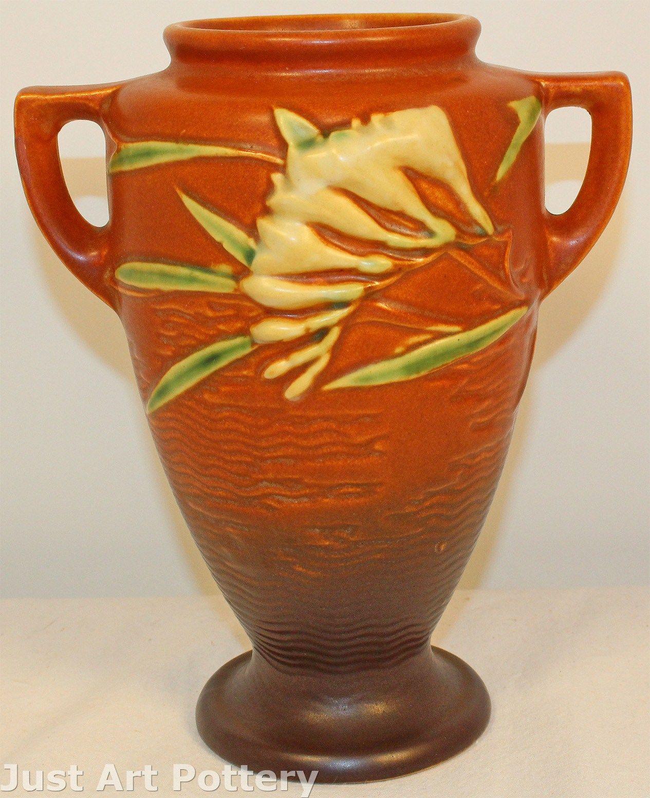 roseville pottery magnolia vase of just art pottery www imagenesmy com with roseville pottery freesia brown vase from just art pottery jpg 1265x1553 just art pottery