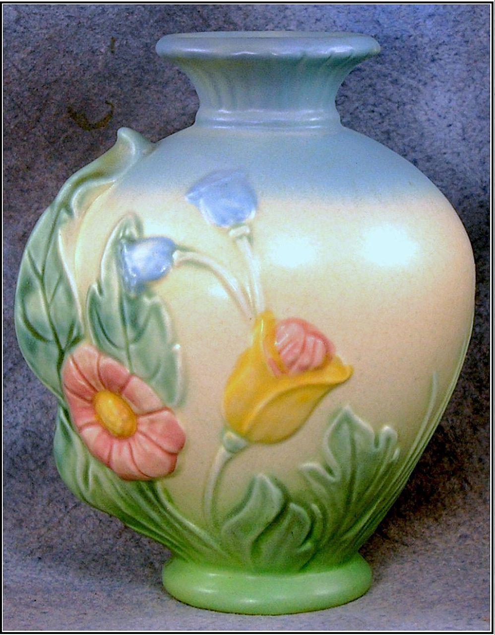 roseville pottery magnolia vase of love the soft colors the cream background vases pinterest in love the soft colors the cream background