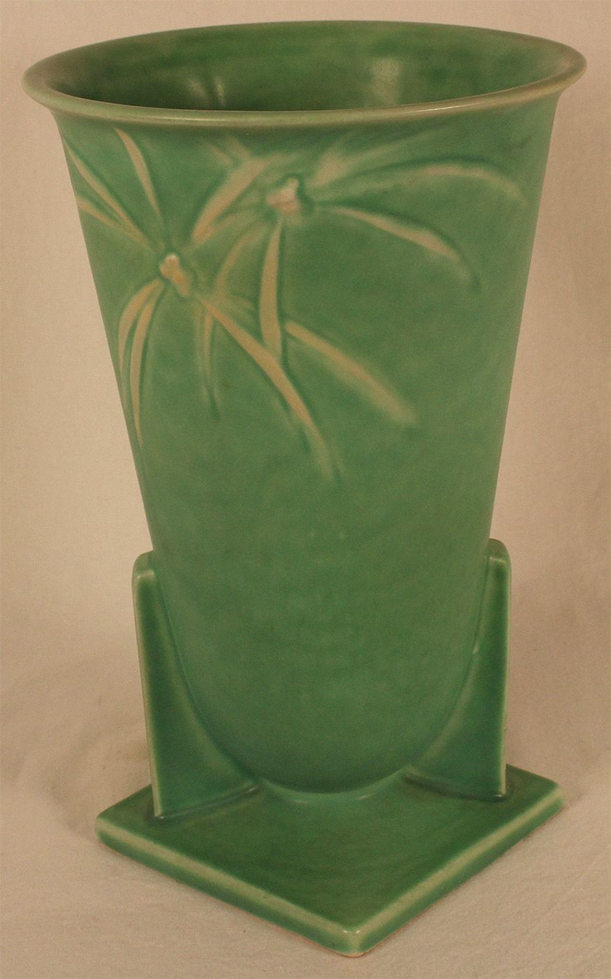 roseville pottery vase clematis of roseville pottery dawn green vase 831 9 from just art pottery within roseville pottery dawn green vase 831 9 from just art pottery