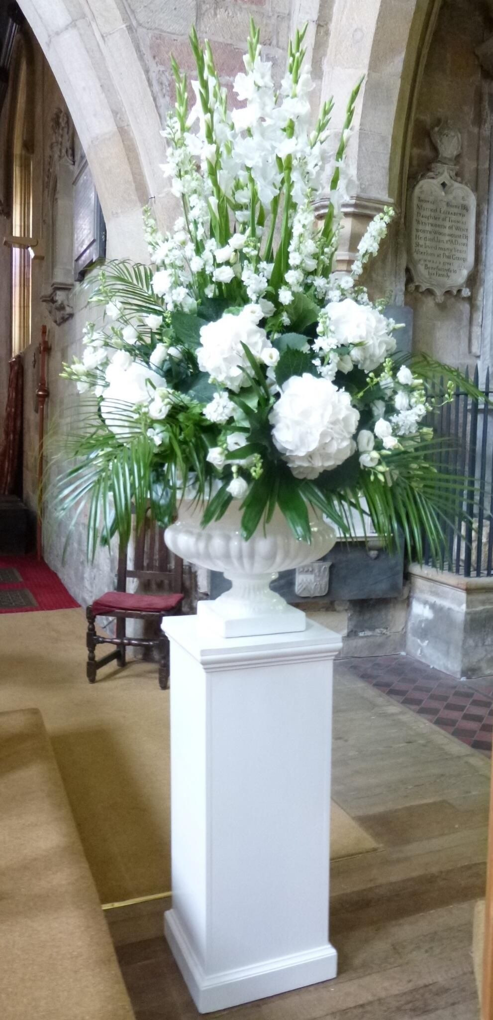 roseville vase price guide of pics of pedestal flower vase vases artificial plants collection throughout pedestal flower vase stock just inside this vast church two magnificently traditional pedestals of pics of