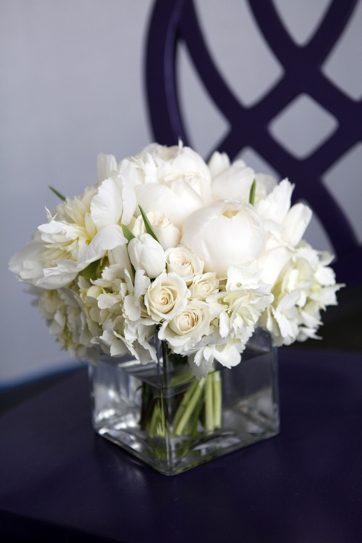 short square glass vases bulk of 479 best gammo images on pinterest weddings diy wedding makeup within i like this just would be in a milk glass vase heres a short arrangement not too formal easy to mix with candles