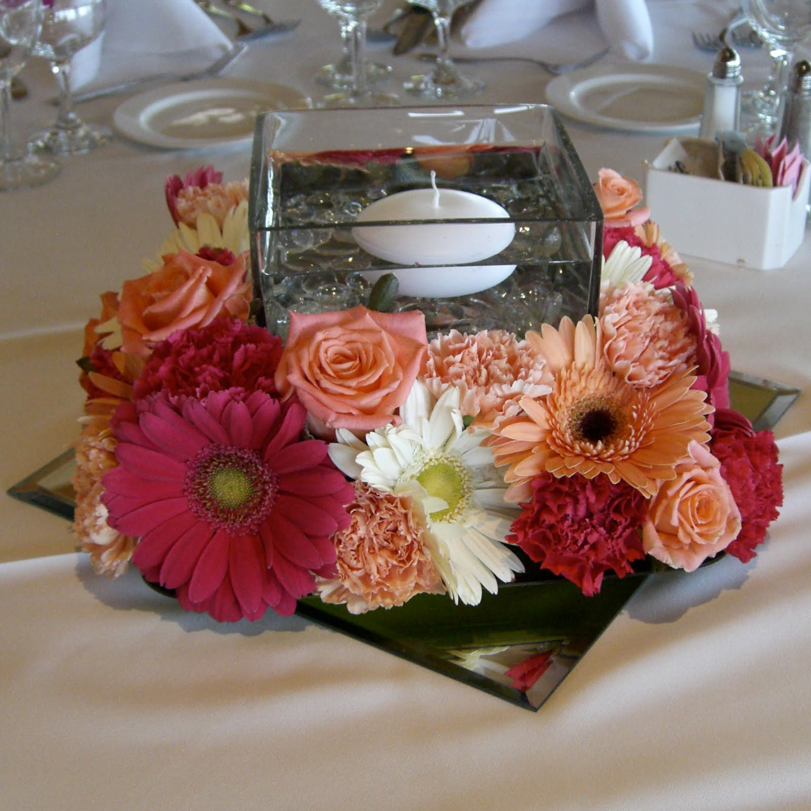 short square vase of mirrored square vase with roses vase and cellar image avorcor com within graceful mirror center pieces featuring pink orchids centerpieces