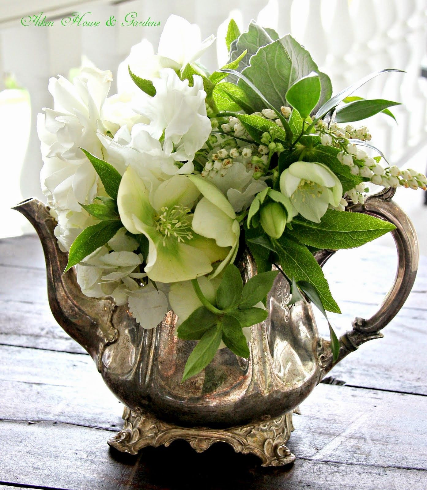 silver vase flower arrangements of a charleston wedding porcelana teacoleccia³n pinterest tea inside aiken house gardens a charleston wedding