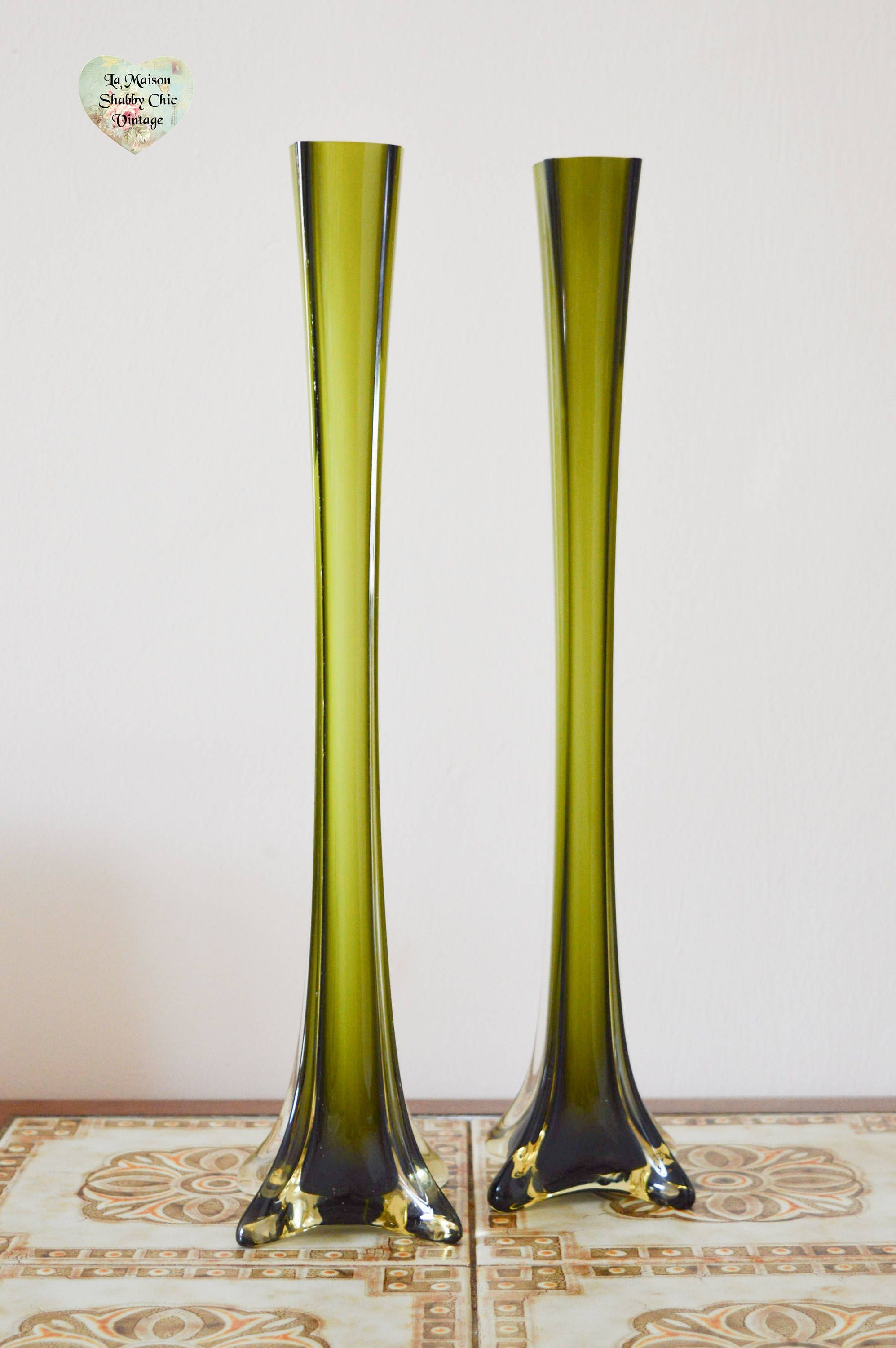 Solid Brass Vase Of 35 Antique Green Glass Vases the Weekly World In Retro Skinny Glass Vases Pair 2 Shades Of Green Retro Flower Vases