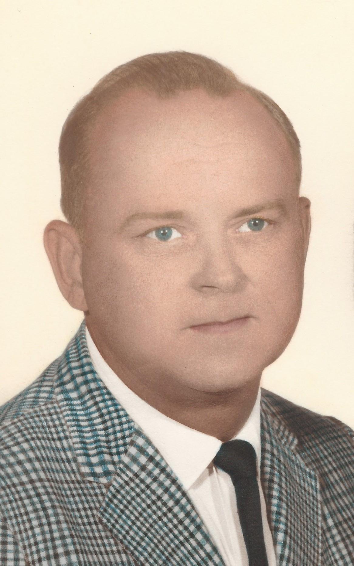 sympathy cross vase of hershel crist obituary herald bulletin with eyjoijoxody0lcj3ijoxmty2lcj1cmwioijodhrwolwvxc9hzgfzlw9yzwdvbi1jyxmtb2jpdhmuczmuyw1hem9uyxdzlmnvbvwvcghvdg9zxc9jcmvhdgvfc3rvcnlclzviyzuwmjjiotq5zjfclzmyzmzjmmy2yzhiodhjytm5mgm1nmi5nmnjn2euanbnin0