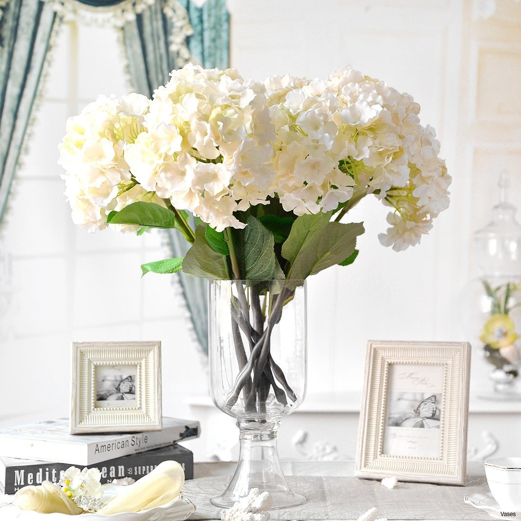10 Fashionable Tall Glass Vase Arrangements
