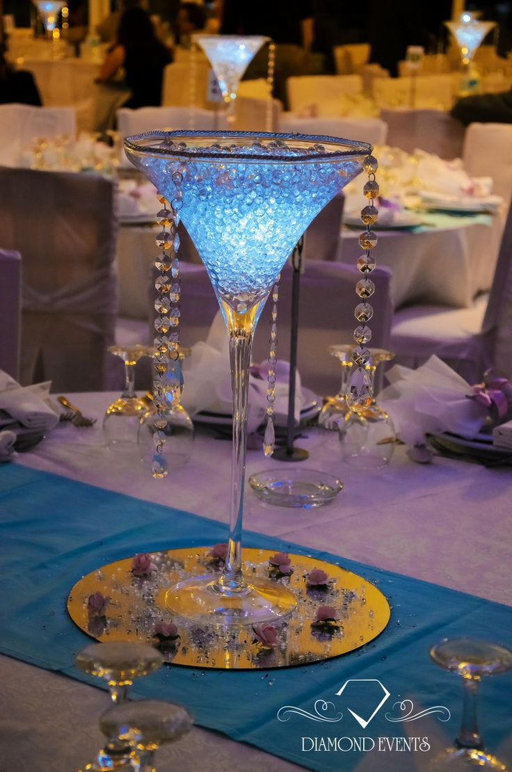 tall martini glass vases wholesale of 176 best wedding centerpieces images on pinterest wedding throughout martini glass vase lighted in white blue color