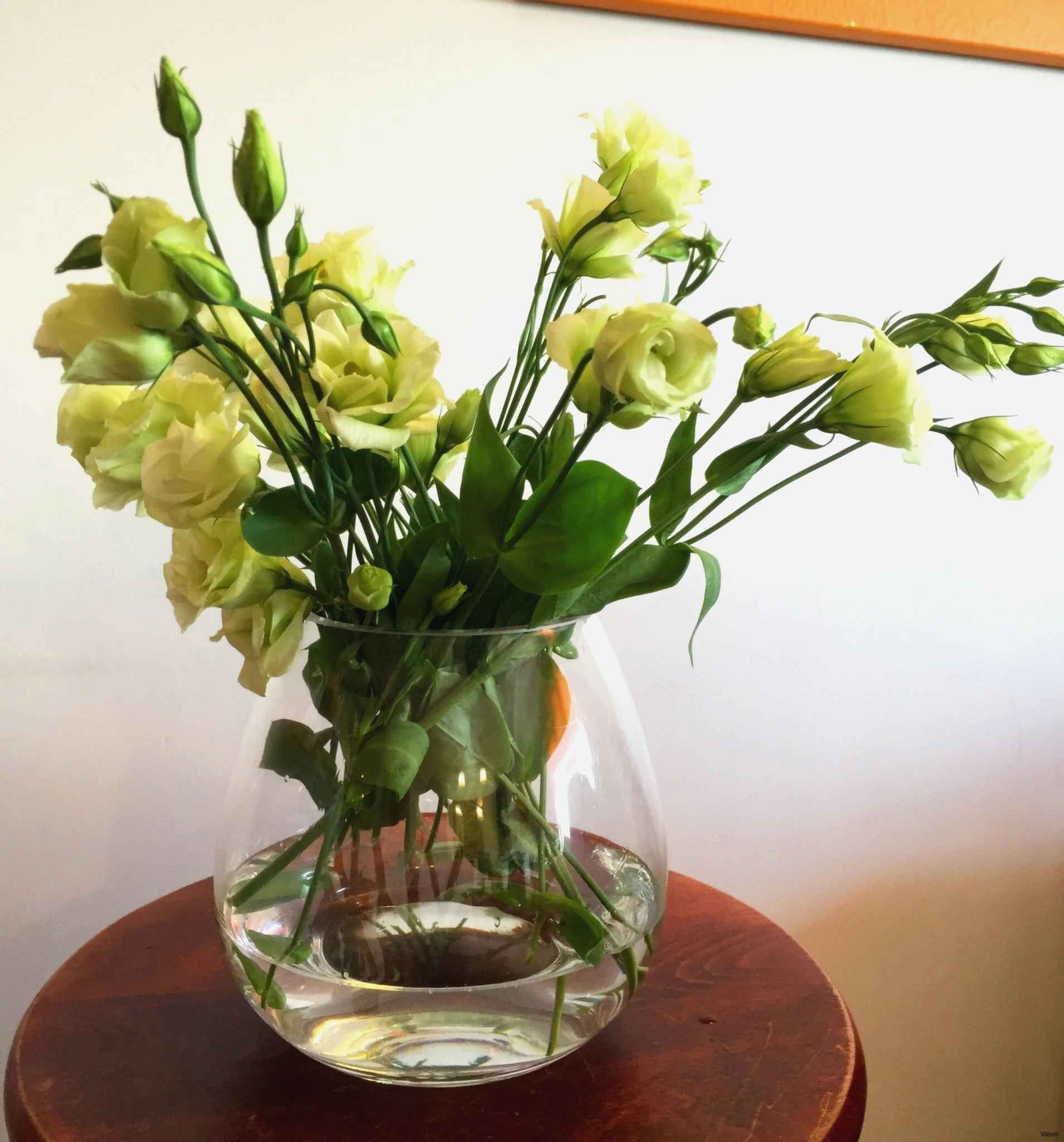 17 Unique Tall Vase Centerpiece Ideas