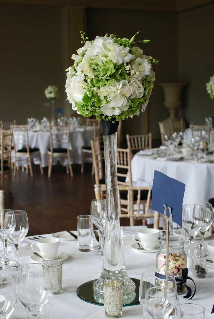 16 attractive Tall Vases for Wedding Tables
