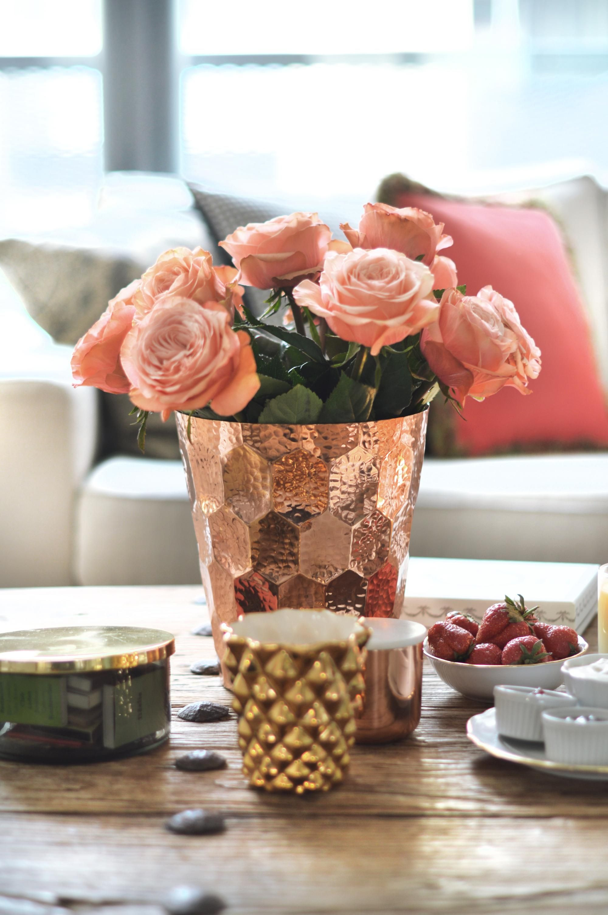 tom dixon vase gold of einladung zum tee mit wedgwood tom dixon vase pinterest within tomdixon copper champagne cooler whisky colored roses gold vase by ensoie tea set in strawberry pattern