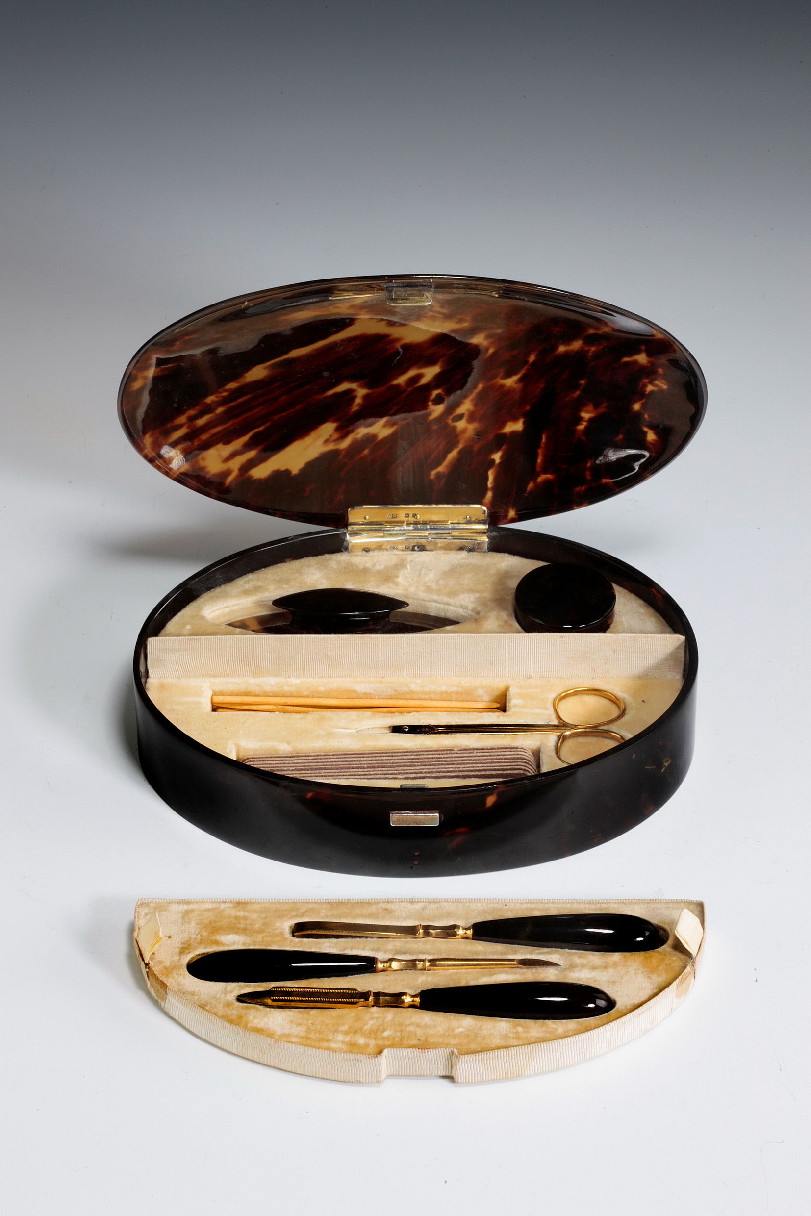 tortoise shell glass vase of antique tortoiseshell boxed manicure set regarding antique tortoiseshell box manicure tools 4462 1 4462