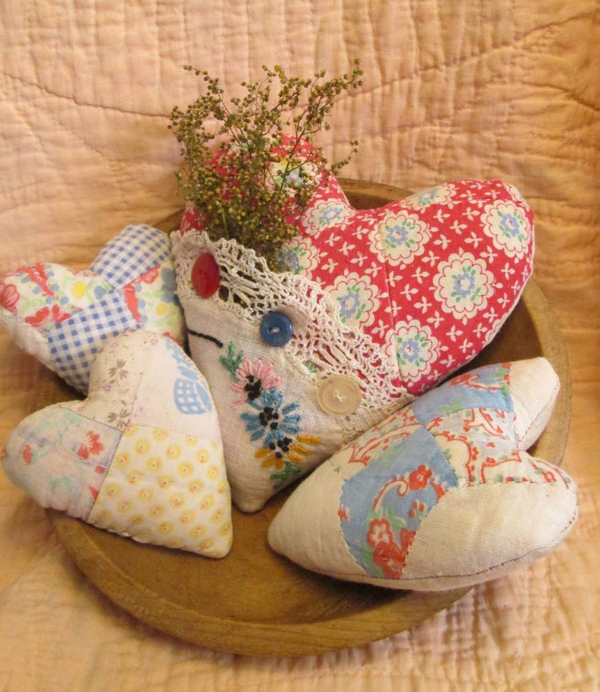 Set Of 5 Primitive Patchwork quilt Hearts Bowl Fillers Ornies Completed Quilts