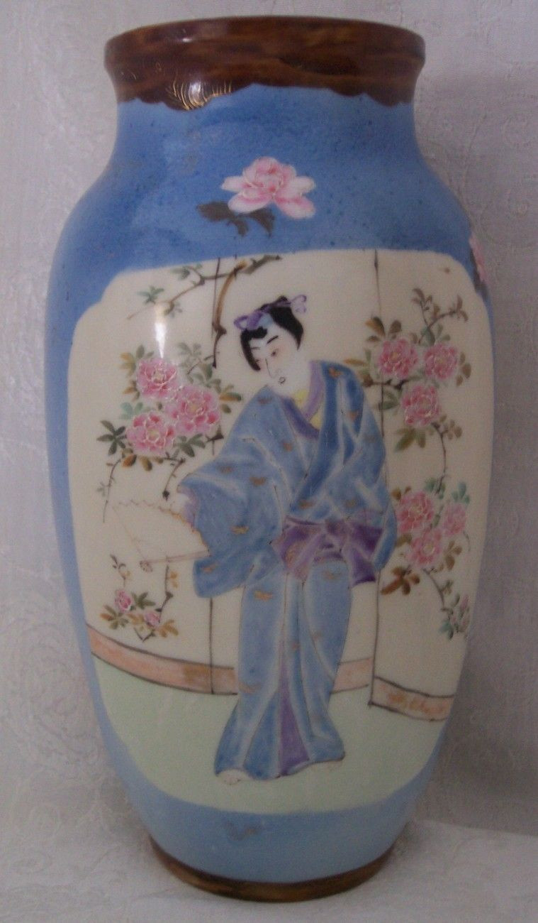 vase painting of antique or vintage famille rose porcelain vase geisha on one side with antique or vintage famille rose porcelain vase geisha on one side and cranes or some type of birds on the other