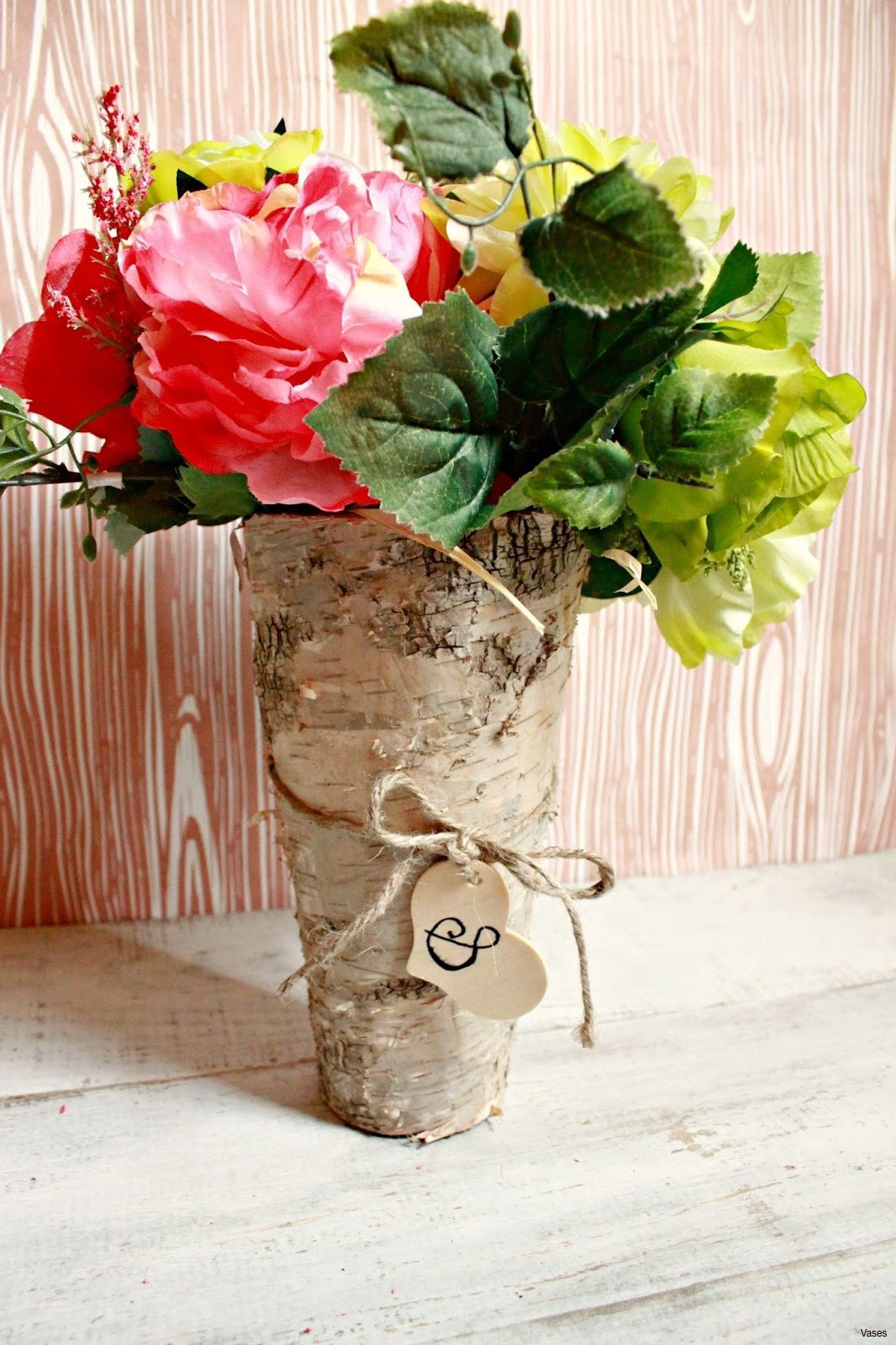 27 Great Vase with White Roses