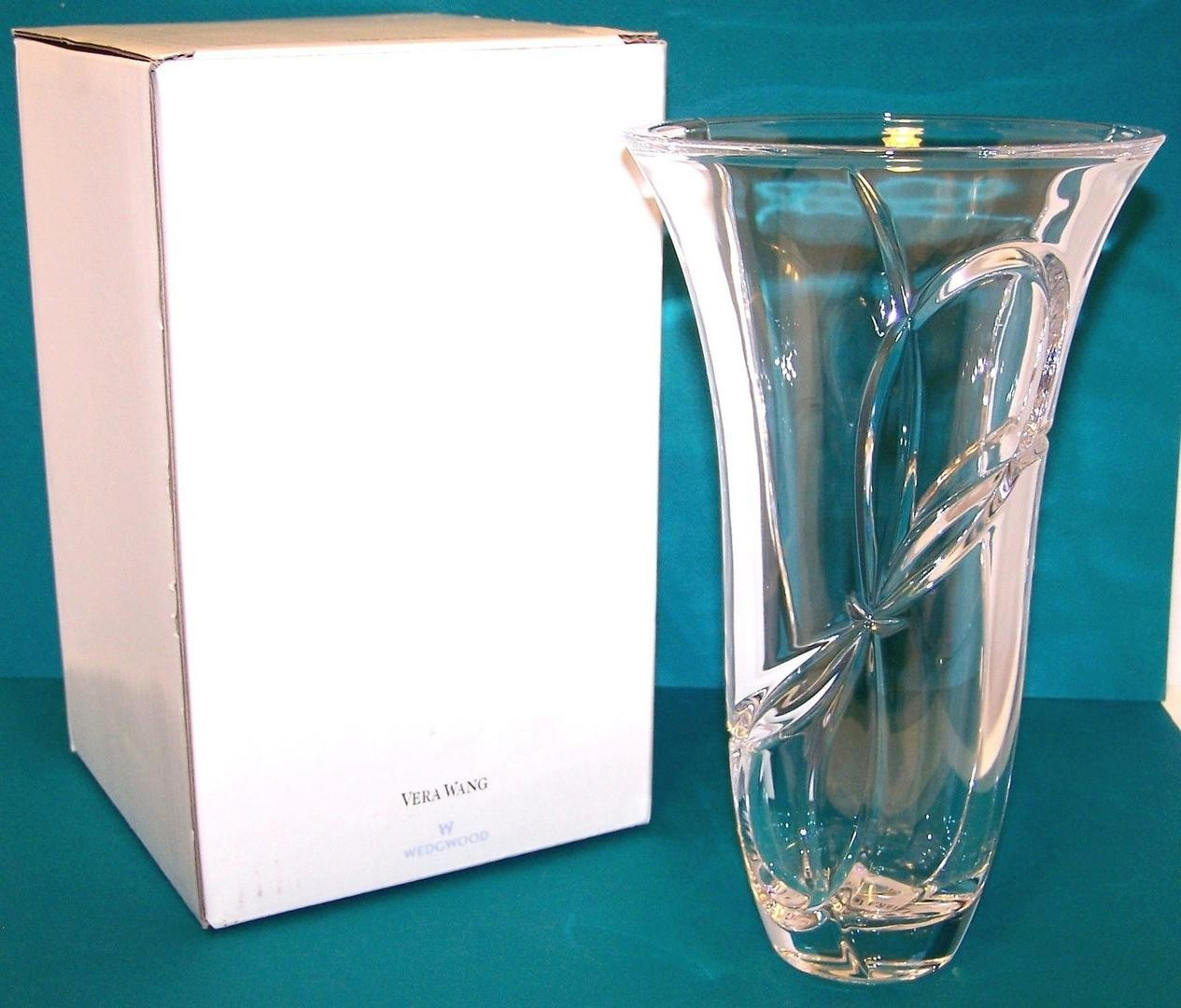 vera wang love knots vase of new vera wang by wedgwood love knots crystal 9 vase germany made intended for new vera wang by wedgwood love knots crystal 9 vase germany made discontinued 1819206530