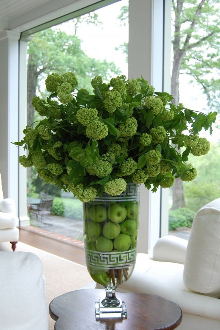 versace flower vase of 674 best beautiful flowers images on pinterest beautiful flowers regarding nice flower arrangement with apples in the vase i like the vase too