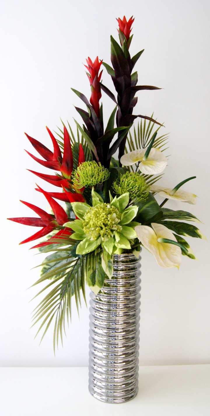 25 Elegant Vintage Style Vases
