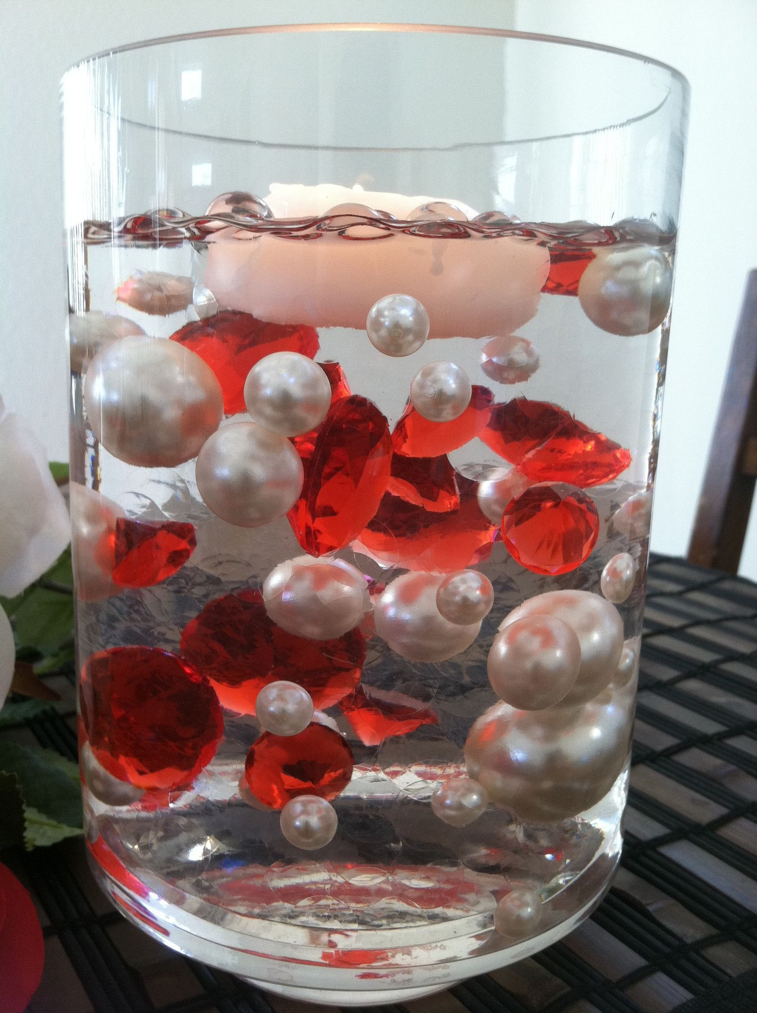 Water Beads for Vases Of Floating Diamonds and Pearl Centerpiece Vase Filler Gems Table with Floating Diamonds and Pearl Centerpiece Vase Filler Gems Table Scatters