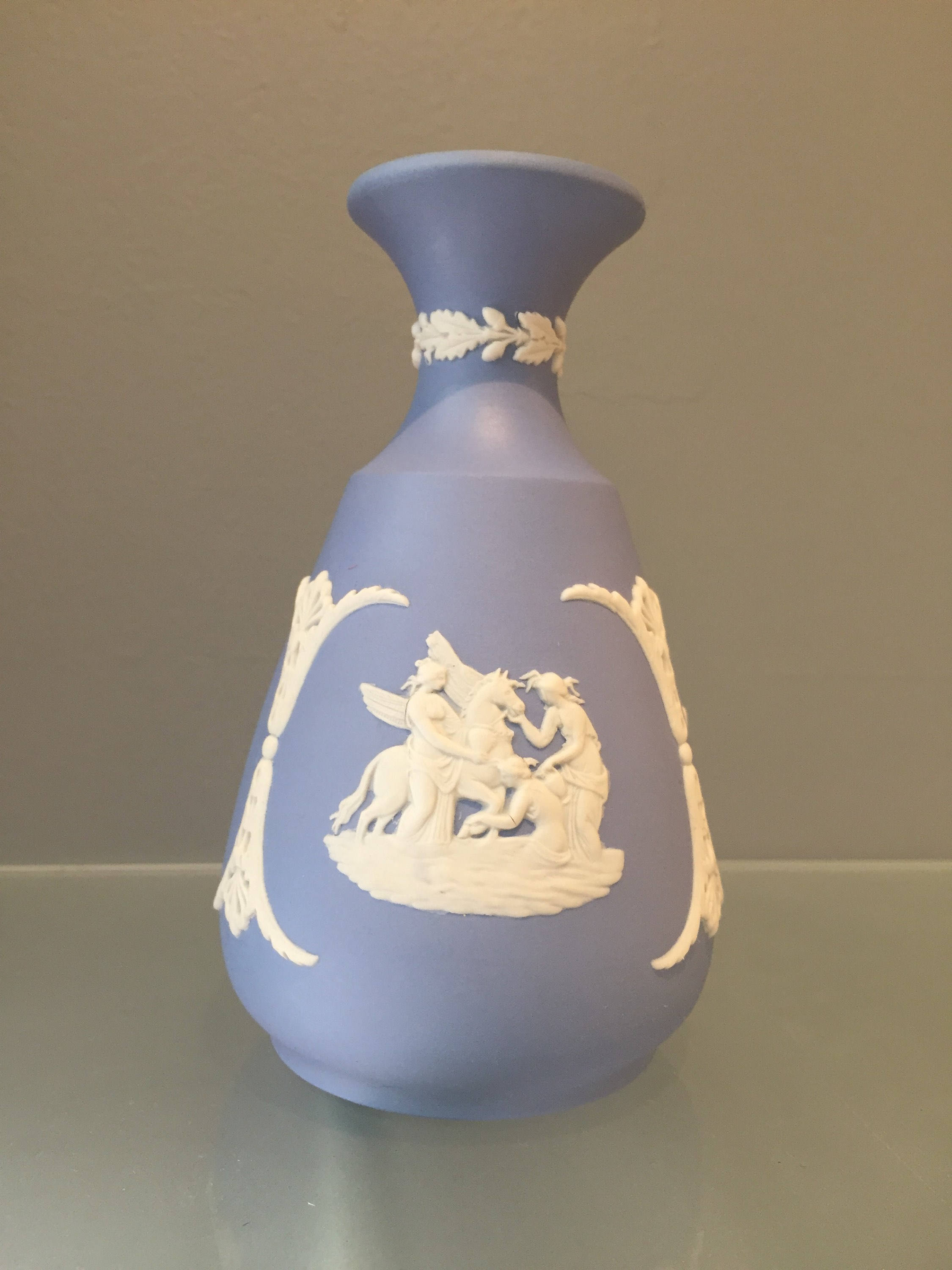 "wedgwood blue jasperware vase of gorgeous vintage wedgwood vase 1970s made in england with regard to dŸ""Žzoom"